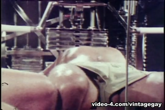 VintageGayLoops Video: Pump My Iron Ted Baer Gay Porn