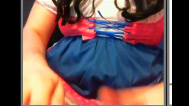 Nadine on Webcam free pics of women kissing women