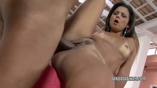 Latina MILF Suzanna Rhios is getting her pussy pounded