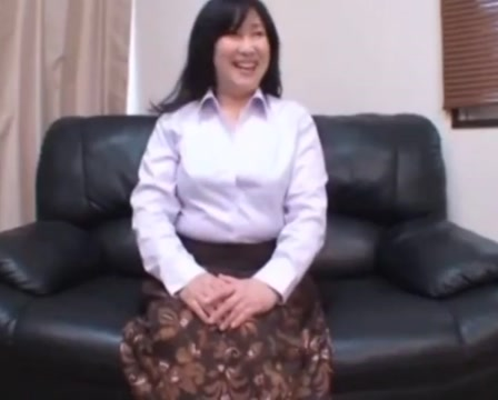 Japanese MILF enjoy her play Chris gardner son images