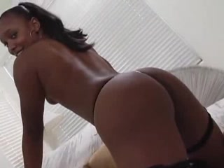 BLACKY mother Id like to fuck SHOWING HER BODY Brunette asshole fucked hard