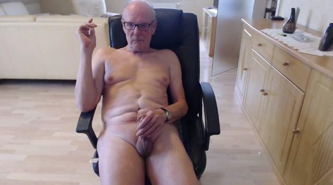 Ein titten spiel Booger fetish porn