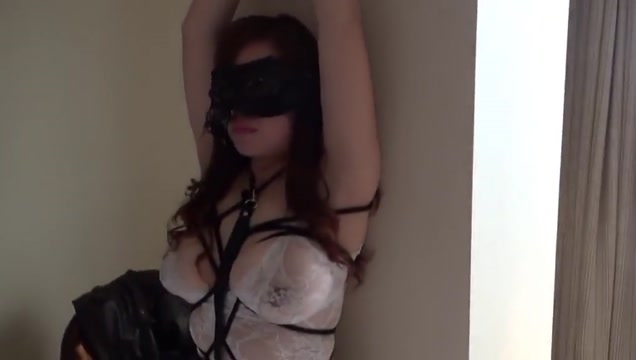 Swinging With Another Couple No 1 Asian milf plays with her dildo