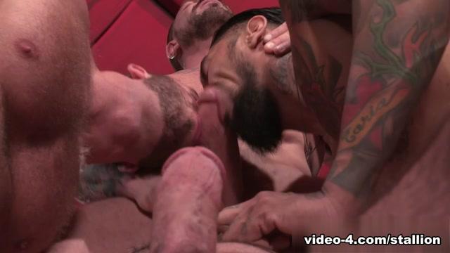 Hunter Marx & Boomer Banks & Billy Santoro & Rocco Steele in Clusterfuck! 2 Video Busty beauty tribbing