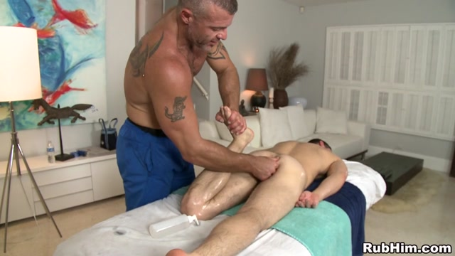 Workout Session Scene - RubHim Pussy shaving style