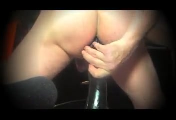 Fistng main noire Sex in bad mergentheim