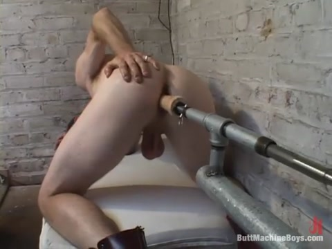 Tom Deven in Buttmachineboys Video Sexy friend chat