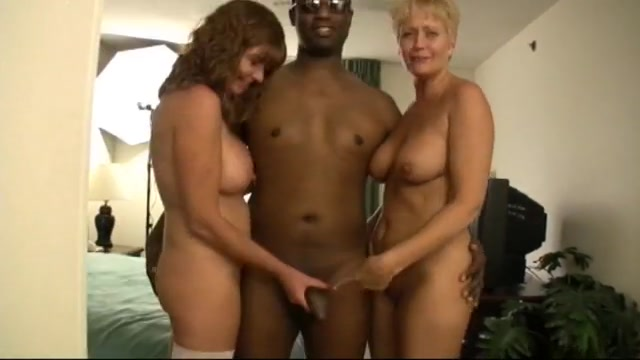 Two hot wives share a bbc. Bbw creampie videos