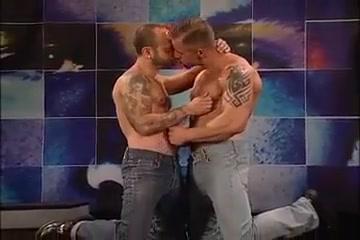 Mature Muscle Men Make Out Hot milf fucks in sauna