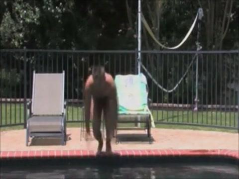 Am Pool Masturbation pov