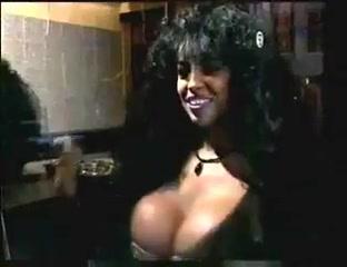 Angeligue dos santos big tits cums in his girlfriend