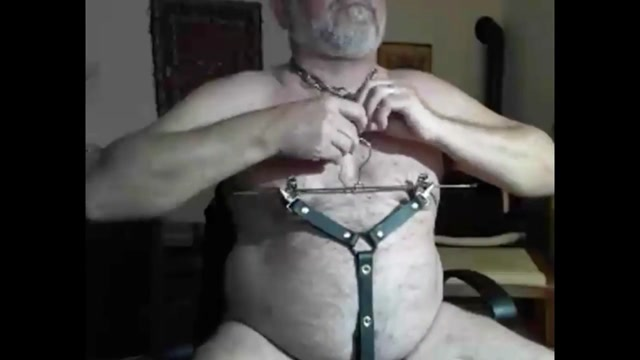 Grandpa play on cam Sexy Kiss By Bf