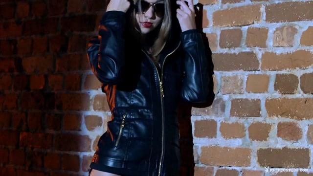 Sunkissed Cutie with Deanna Greene - PlayboyPlus NudeFightClub presents Samantha Benley vs Chrissie