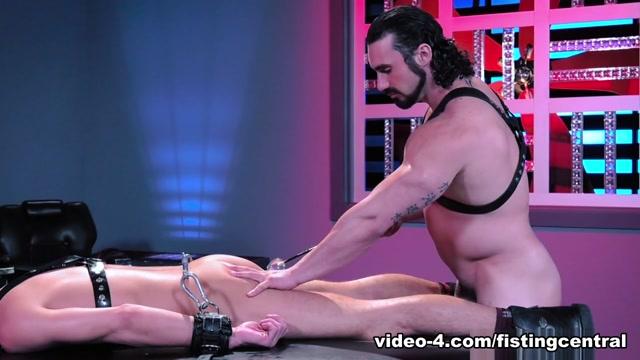 Hangin Hardcore featuring Alexander Gustavo, Jaxton Wheeler - FistingCentral pestardas videos de sexo