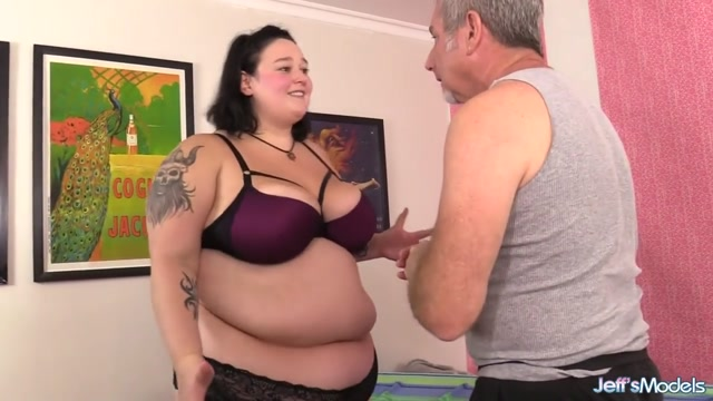 An Out of Control Masseur Gives BBW Valhalla Lee an Orgasmic Rubdown Cooking with cum part 1