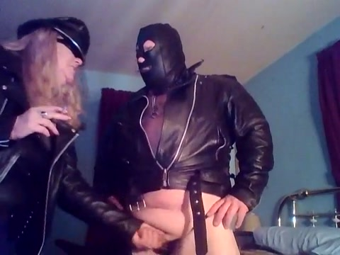PUSSY SLAVE PISSING FOR HIS OWNER!