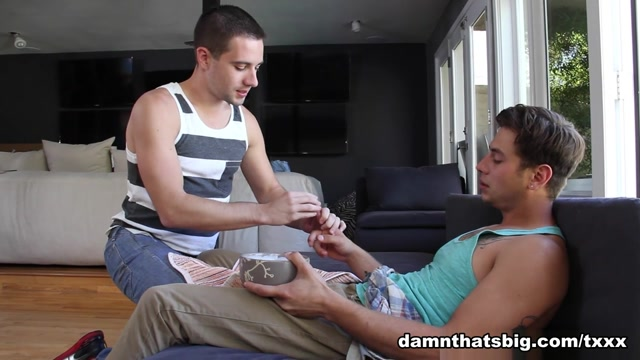 Julian Smiles & Dylan Knight in Moving Day - DamnThatsBig deep in her throat