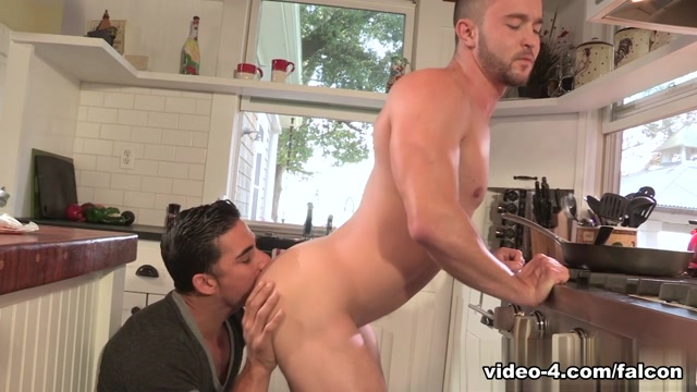 Easy Inn XXX Video: Topher DiMaggio, Colt Rivers Sexy serf is expecting for masters urinal matter