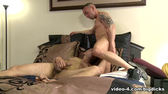 Hunter Vance & Matt Hart in Pre-Workout Sex Video - ExtraBigDicks free gay adult videos sample