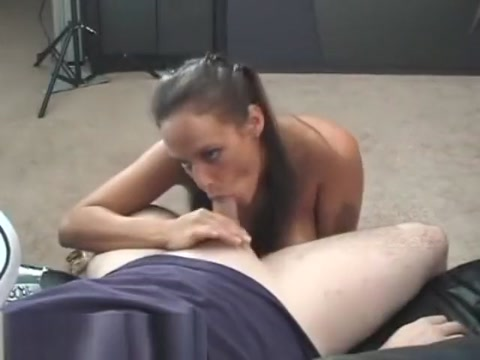 Diamond Pierce Quick Blowjob Girls with gaping asses