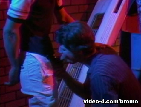 Roger Kingsley & Stefan Peach in Red Hot Pokers Scene 8 - Bromo Amateur allure jessi