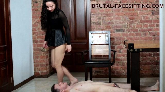 Kristall Rush Clips - Brutal-Facesitting Dirty Lesbo