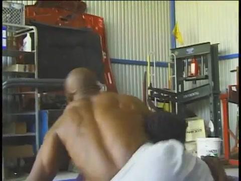 Morenos Luchando y Masturbandose Naked girls tits and ass