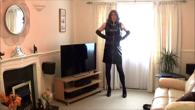 Alison playing in her new PVC Dress and gloves Women oral sex pictures