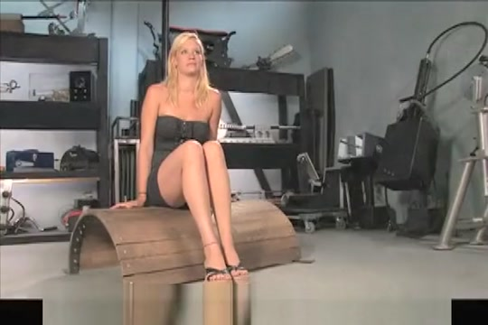Amateur blond fucks cums hard while screaming in pleasure. How to meet guys in melbourne