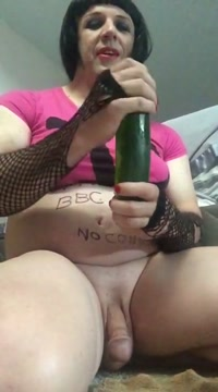 Shayna Loves To Fuck A Cucumber Rush hour dating app