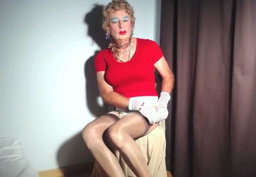 Sexyputa changes nylon stockings Sporty dating websites