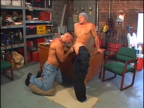 Hot dads in action! Fingering process makes babe feel more good