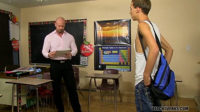 Jordans Kinky Fitness Exam - Jordan Thomas And Mitch Vaughn - TeachTwinks elle baise devant son mari