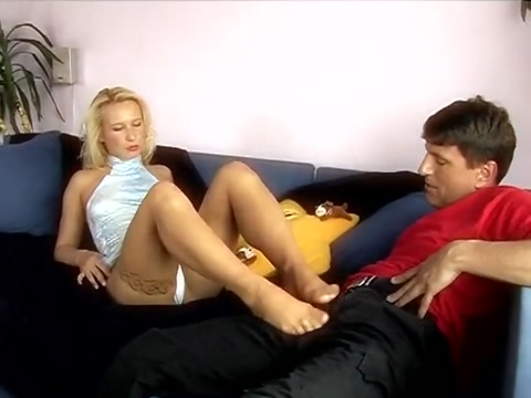Blonde Anal fist fight video clips