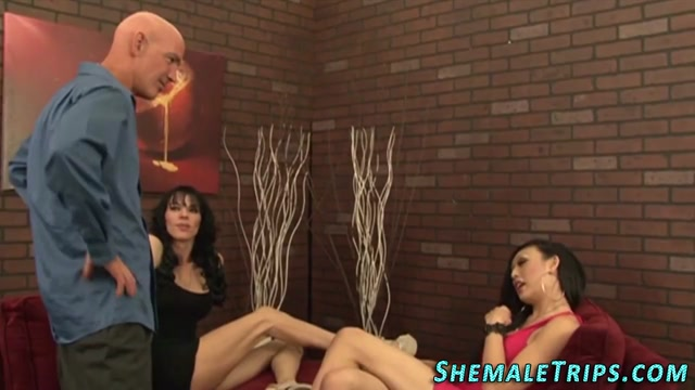 Threeway trannies spunk Older mature women masturbating
