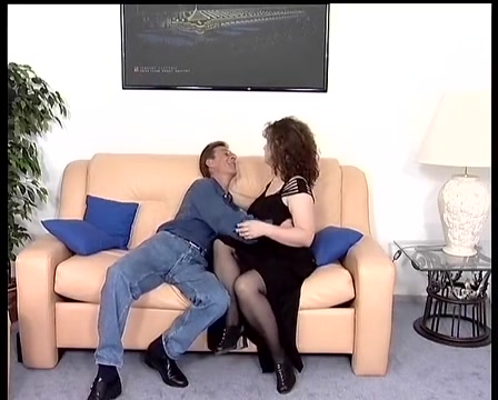 Couple enjoy a sexy session Iloveinterracial com