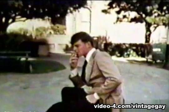 VintageGayLoops Video: Vintage Hook-Up Black Amarican Xxx