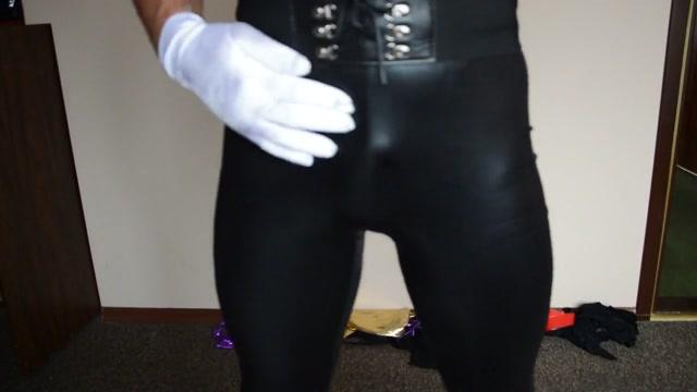 Wolking in black weet look leggings Hottest tan naked gals pics