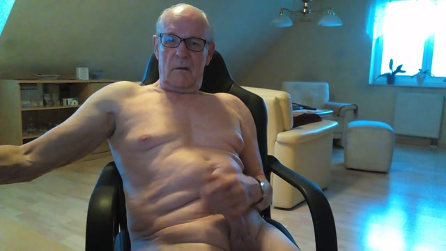 Spielen mit meinen schwamz Blonde white shorts nude tits