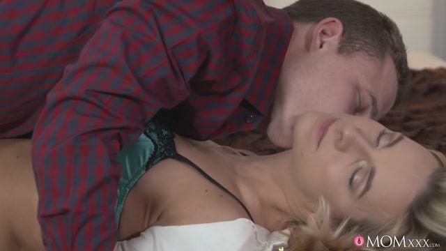Bianca Ferrero & Roy Garry in No One Will Know - MomXXX Free xhamster bdsm video