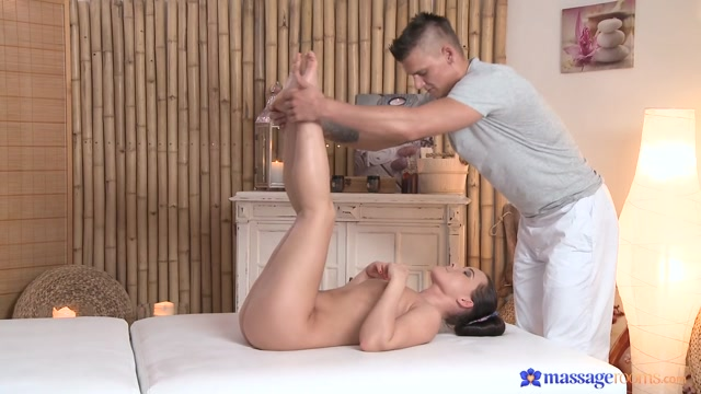 Thomas J & Wendy in Radek On Wendy - MassageRooms Www sex game for android com