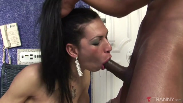 Renata Araujo & William Carioca in Trans Porn Star Renata Gets Her Fill Of Hot Cum - Tranny How to catch your gf cheating
