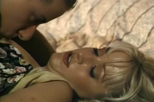 Alex Sanders Delivers a Nice Thick Load on Natalie Spencer?s Perfectly Made Up Face