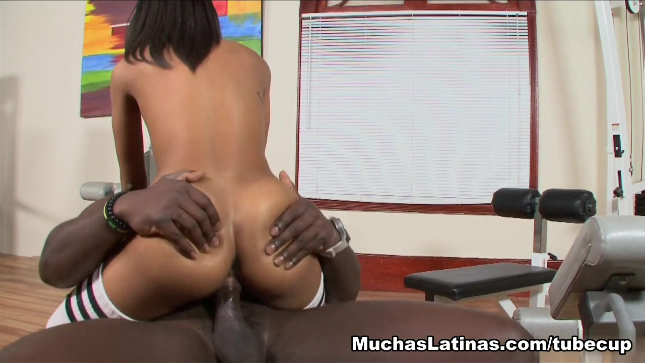 Tiara in Chicas N Chocolate Good looking milf movies