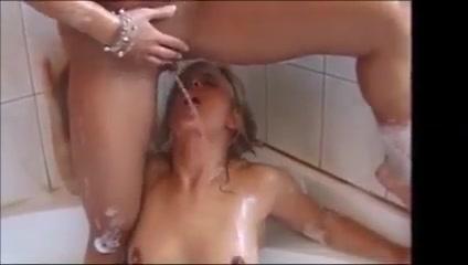 Mag auch gerne einen lesben champagner! Du nicht? My girl nude in kitchen