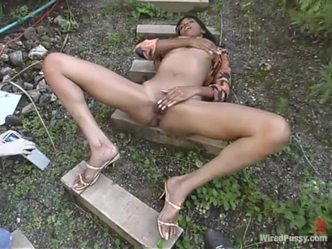 Mandy in Wiredpussy Video Babysitter story porn