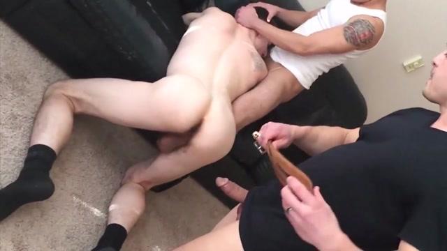 Bareback threesome. Hot Naked Girls In A Pool