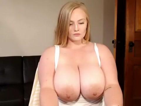 Cute Busty Teen Cumming On Camshow