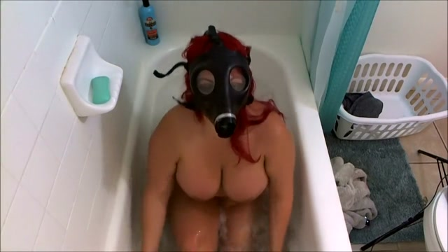 Gas mask and Bubbles The hustler 1961 reviews