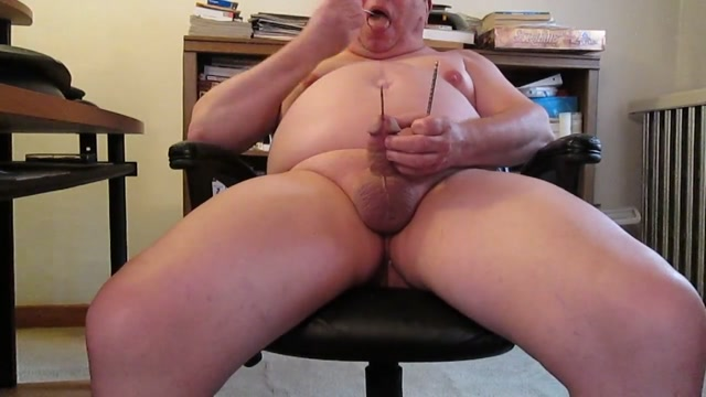 Masturbating with nut picks in cock until i cum. watch super bowl porn clip
